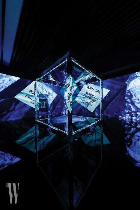 가장 인상적이었던 큐브 갤러리에서는 '네롤리 포르토피노'를 역동적으로 감상할 수 있었다.