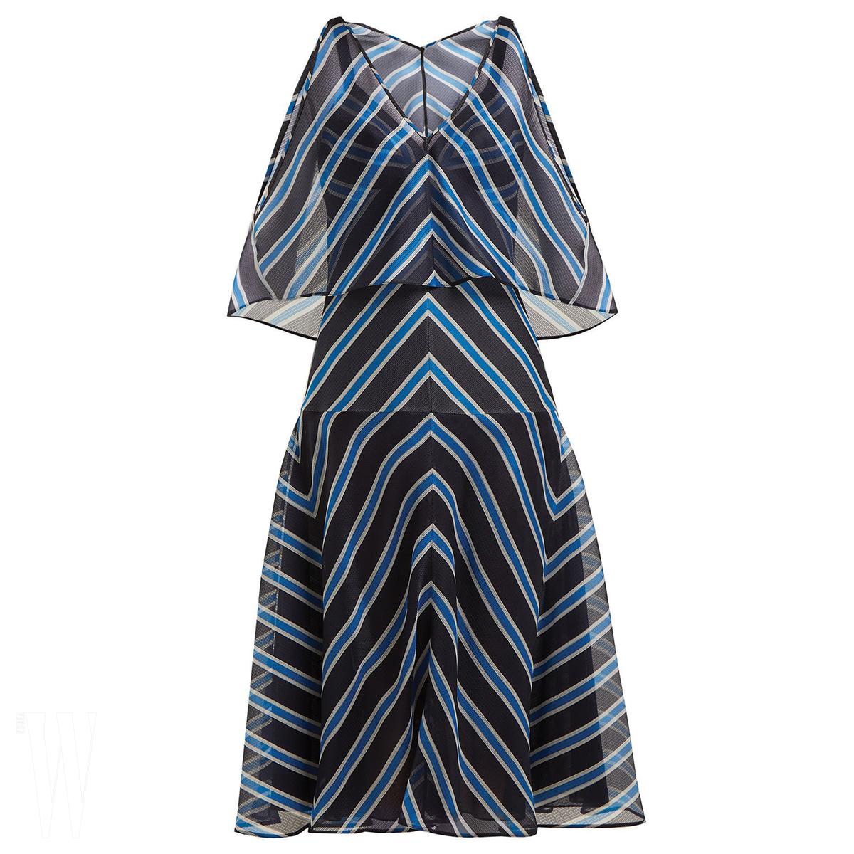 FENDI 줄무늬 시스루 드레스는 펜디 제품. 3백만원대.