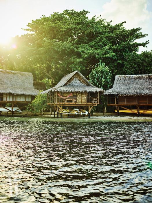 파푸아뉴기니에서 규모가 가장 큰 섬인 뉴 얼렌드에 자리 잡은 누사 아일랜드 리트리트(Nusa Island Retreat).