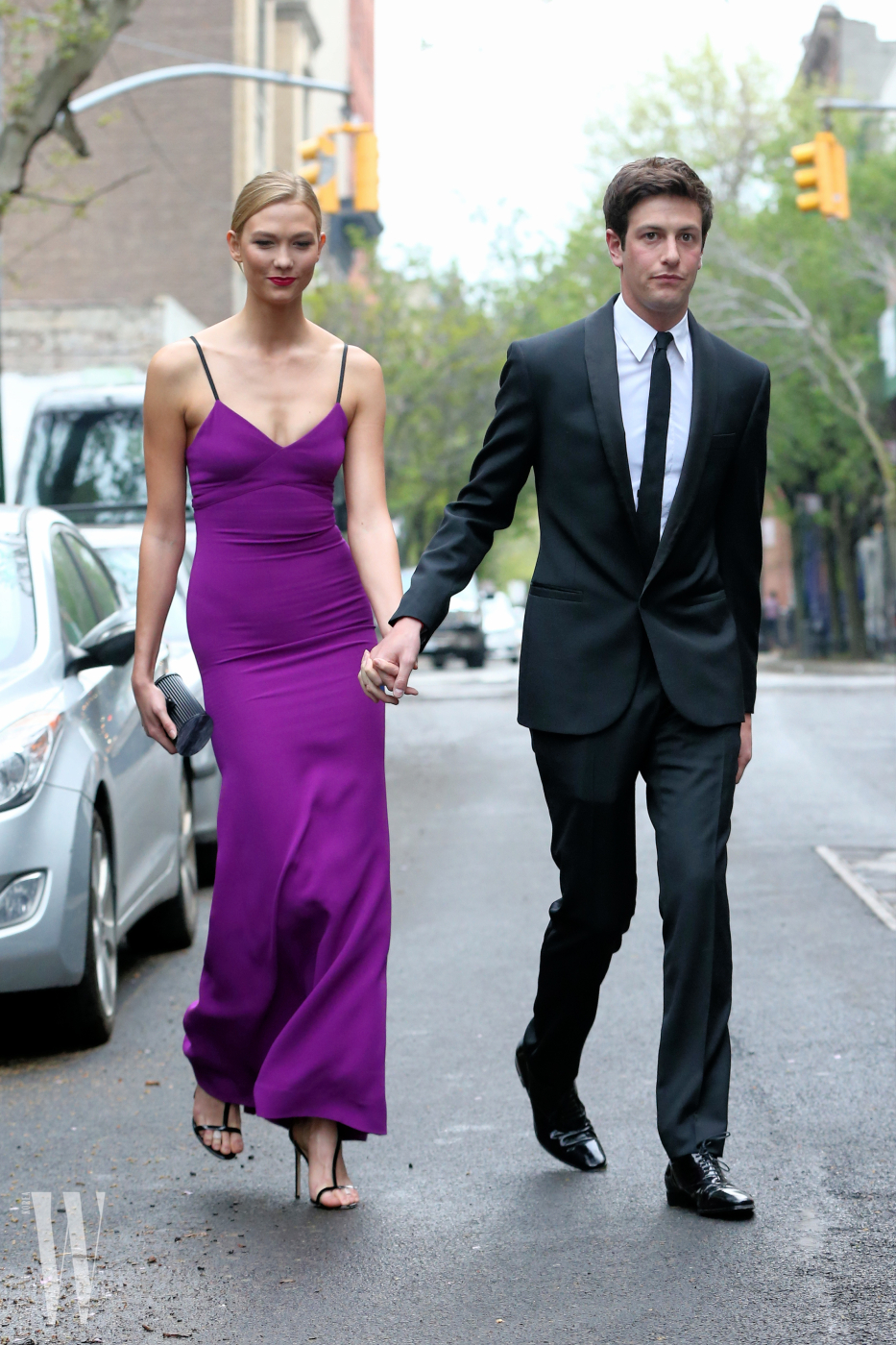 Model Karlie Kloss looks adoringly at boyfriend Joshua Kushner en route to Time 100 Gala