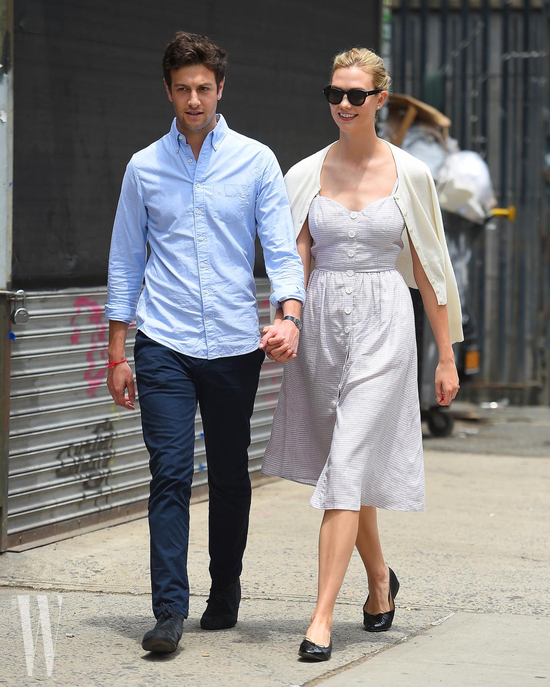 Karlie Kloss and Joshua Kushner seen holding hands in Soho,New York City