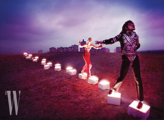 사진가 데이비드 라샤펠이 찍은 'An illuminating path', 1998 Copyright: Courtesy of the artist ⓒ David LaChapelle