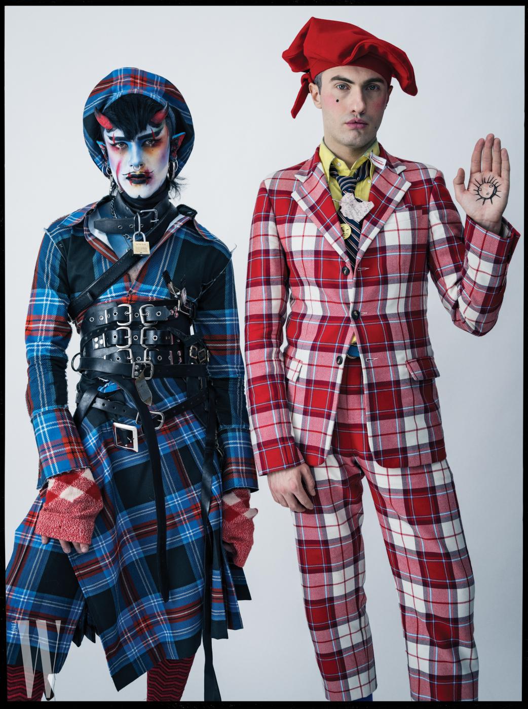 찰스 제프리 (오른쪽)와 필름 제작자 젠킨 반 질이 입은 옷과 모자 모두 찰스 제프리 러버보이, 질이 착용한 양말은 팔케, 벨트는 개인 소장품.