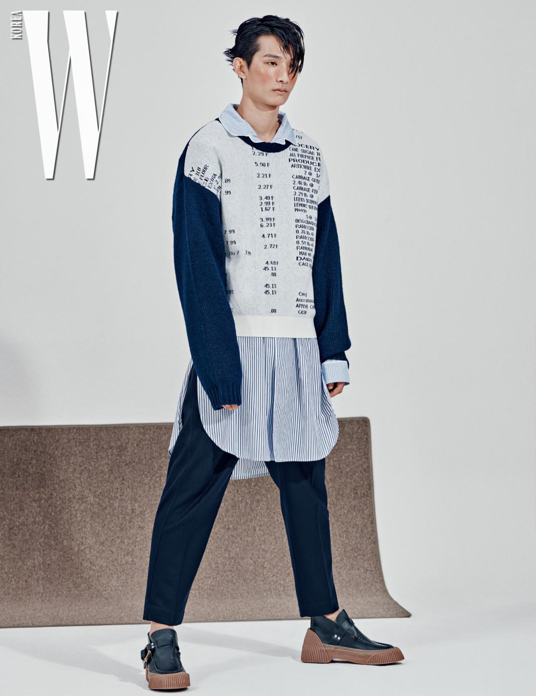 타이포 니트와 줄무늬 셔츠, 핀턱 팬츠, 슈즈는 모두 3.1 Phillip Lim 제품.
