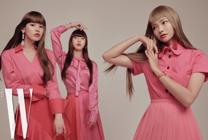 박환희가 입은 블라우스는 La Silhouette de Eugenny, 붉은색 러플 스커트는 Romanchic, 핑크 스톤 귀고리는 Gateless 제품. 정연주가 입은 핑크색 실크 블라우스는 Happening, 주름 치마는 H&M Studio, 손목시계는 Swatch 제품. 하연수가 입은 핑크색 셔츠 원피스는 Vivienne Westwood, 줄무늬 치마는 Happening, 붉은색 태슬 귀고리는 H&M, 포지션 워치는 Piaget 제품.