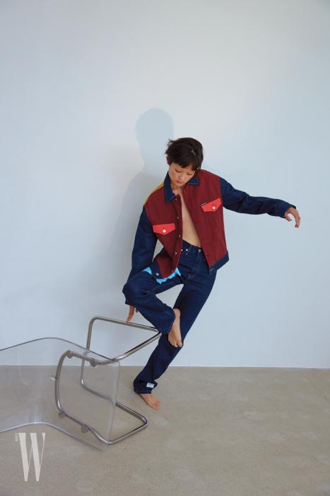 데님 재킷과 팬츠는 캘빈 클라인 진 제품. 모두 29만원대.
