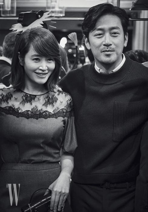 멋진 두 배우 김혜수와 하정우가 포즈를 취했다.