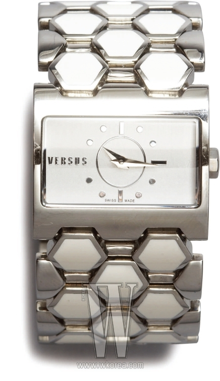 스트랩의 기하학적 무늬가 장식적인 시계는 베르수스 by 갤러리 어클락 제품. 39만8천원