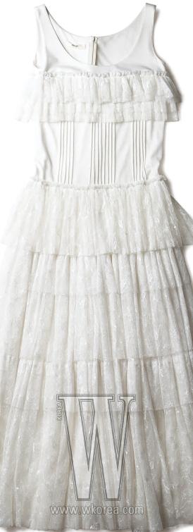 튤 소재가 화려한 드레스는 비터&스위트 제품. 70만원대