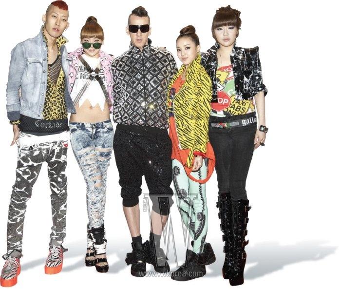 왼쪽부터|아디다스 오리지널스 by 오리지널스의 파티를 찾은 2NE1의 스타일리스트 양승호, 2NE1의 씨엘, 디자이너 제레미 스콧, 2NE1의 산다라 박과 박봄.