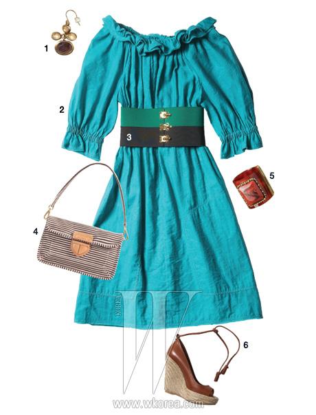 1 에스닉한 무드의 드롭형 귀고리는 세렌 주얼리 제품. 3만8천원. 2 리넨 소재의 오프 숄더 드레스는 펜디 제품. 1백52만8천원. 3 배색이 돋보이는 와이드 벨트는 프라다 제품. 19만원. 4 스트라이프 패턴의 미니 숄더백은 프라다 제품. 가격 미정. 5 이국적인 느낌의 뱅글은 H&M 제품. 1만9천원. 6 발목을 여미는 스트랩 장식의 에스파드류 힐은 세르지오 로시 by 10 꼬르소 꼬모 제품. 68만원.