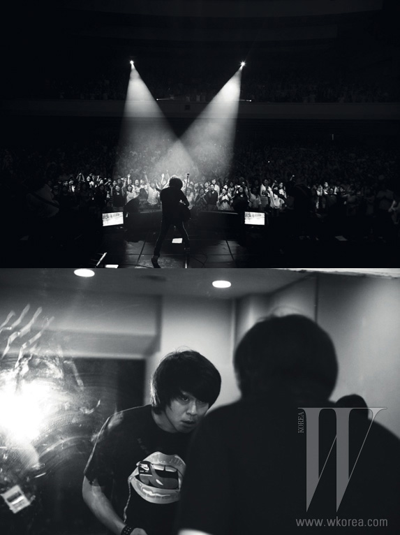 3시간 가까이 이어진 콘서트는 윤도현이 프런트맨을 맡은 YB의 무대로 마무리됐다. 협소한 한국 록 시장에서 예외적일 만큼 대중과 활발하게 소통하는 밴드가 특유의 건강하고 폭발적인 에너지를 객석에 전염시켰다.