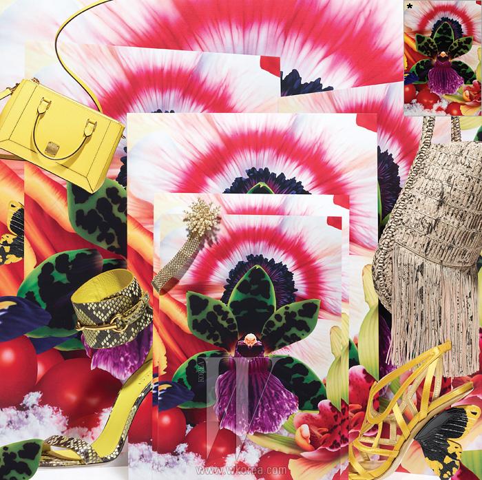 왼쪽부터 | 탈착 가능한 숄더 스트랩이 달린 화사한 노란색 가죽 소재의 캔디 백(Candy Bag)은 MCM, 파이톤 가죽의 질감을 살린관능적인 샌들은 Gucci, 꽃술을 연상시키는 진주 장식의 메탈 목걸이는 Dior, 찰랑이는 프린지 장식이 특징인 이그조틱 가죽 소재의호보백은 Salvatore Ferragamo, 나비 날개를 형상화한 굽이 독특한 샌들은 Alberto Guardiani by La Collection, 제품. * 오페라 갤러리 서울(Opera Gallery Seoul)이소장한 마크 퀸의 작품. 'Red Sky in the Arctic'by Marc Quinn,250×170 cm,Hand Painted Oil on Canvas, 2009