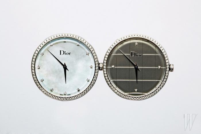 다이아몬드가 세팅된 라 디 드 디올 워치는 모두 Dior Timepiece 제품.