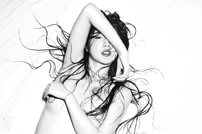 꼬임이 있는 실버 목걸이는 Mihara Yasuhiro by Tasaki모델 | 김지애헤어 | 이선영