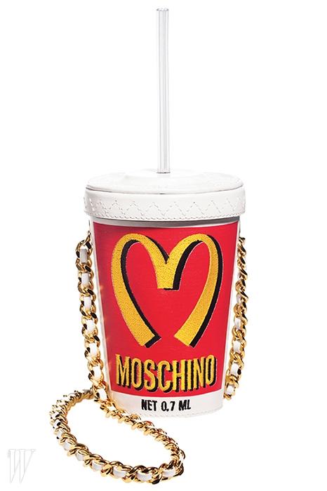맥도날드의 음료수 컵을 패러디한 백은 모스키노 제품. 91만원.