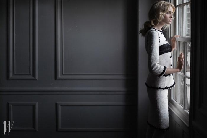 하이디 마운트와 함께한2009 S/S 레디투웨어 광고.© CHANEL/PHOTO KARL LAGERFELD