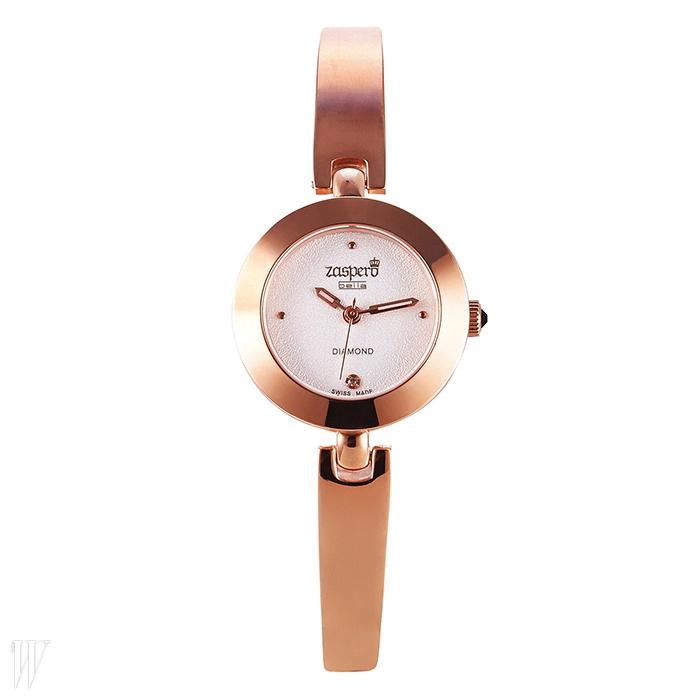 ZASPERO크라운에 파란색 크리스털을 세팅한 팔찌형 시계. 38만3천원.
