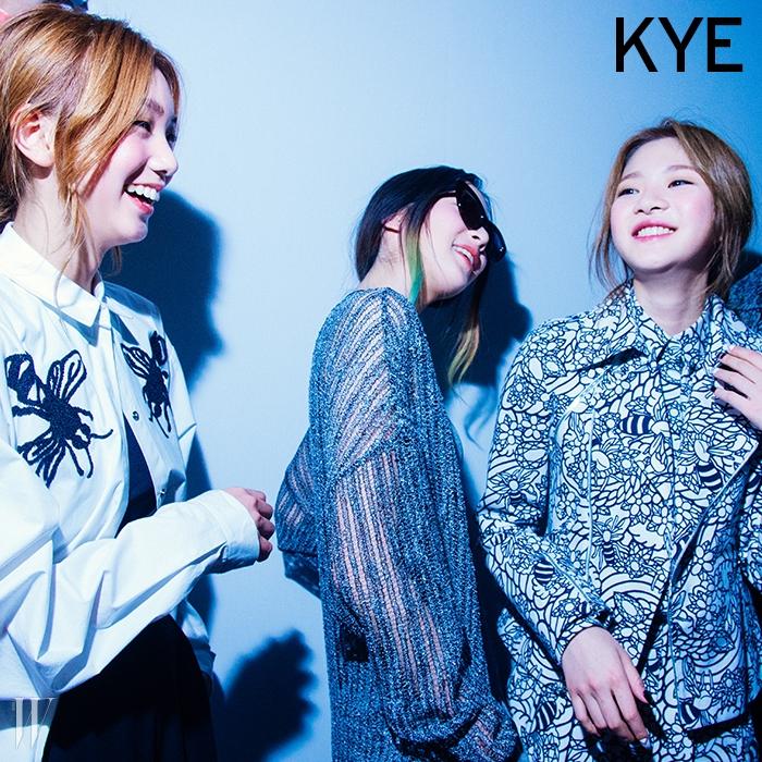 힙합 음악에 잔뜩 흥이 난 듯 시종일관 웃던 카이 백스테이지의 이호정, 아이린, 여혜원.