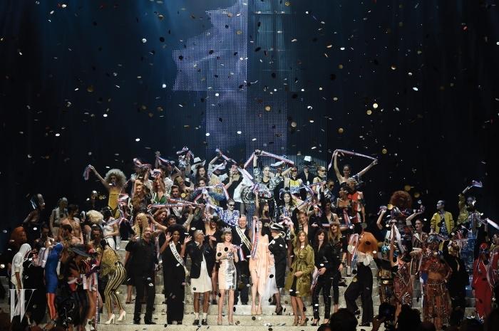 마치 흥겨운 축제와도같았던 장 폴 고티에의마지막 기성복 컬렉션 피날레.