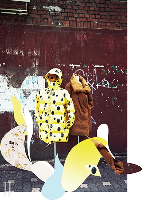 왼쪽   스폰지밥 모티프의 샛노란 패딩 점퍼는 모스키노 제품. 3백10만원.오른쪽   스웨이드 소재의 부드러움과 패딩의 볼륨감이 조화를 이룬 패딩 점퍼는 도나 카란 제품. 가격 미정.