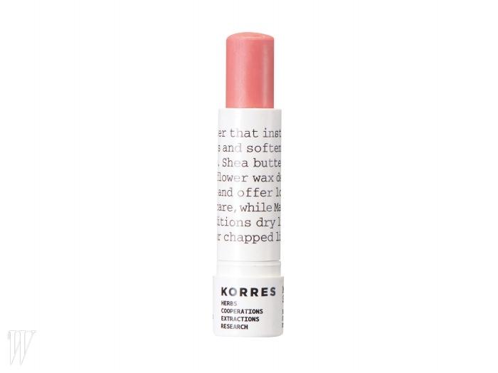 6 Korres 만다린 립 버터스틱(핑크) 입술에 풍부한영양감을 더해 피부가 마르지않도록 하는 시어버터와해바라기 왁스, 이미 건조해진입술에 보호막을 씌워 보호하는만다린 오일 성분을 함유했다.자연스러운 혈색을 더하는 연한핑크빛. 5ml, 2만원.