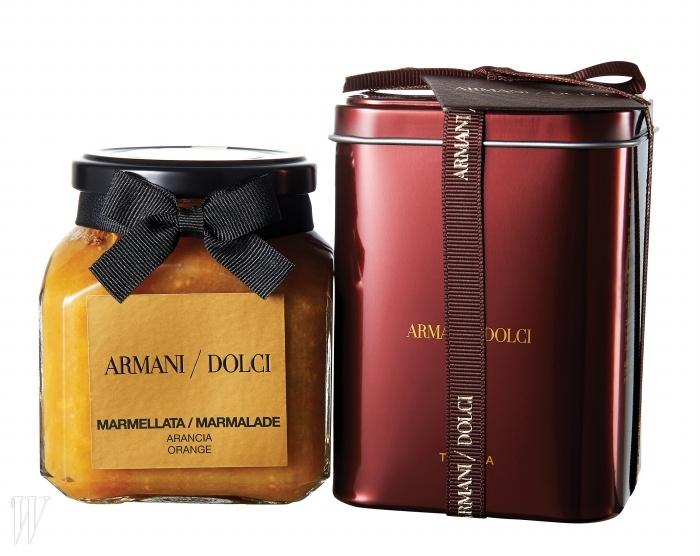 Armani Dolci 오렌지 마멀레이드 & 블랙 티 위드 초콜릿이탈리아 시칠리아에서 수확한 제철 오렌지로 만들어진한 맛이 느껴지는 마멀레이드와 초콜릿 칩이 들어있어 은은한 초콜릿 향이 나는 홍차.각각 4만3천원, 5만원.