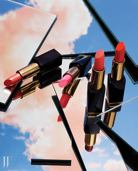 왼쪽부터 | 퓨어 칼라 엔비 스컬프팅 립스틱(대어링, 앰비셔스 핑크,디파이언트 코랄, 임패션드) 각 3.5g, 3만9천원대.