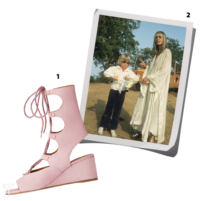 1. 스웨이드 소재의 글래디에이터샌들은 끌로에 제품.2. 맥시 드레스에 글래디에이터 샌들을매치한 아니타 팔렌버그.