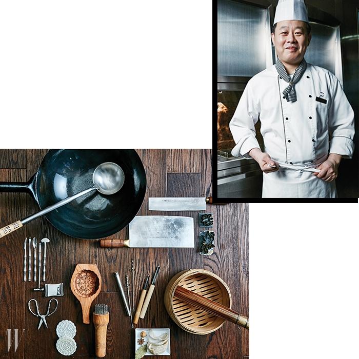 시계 방향으로 | 오랫동안 쓰고 있는 중식용 프라이팬과 국자, 중식용 칼, 야채조각도, 도원을 찾은 손님들에게특별한 서비스를 제공하기위해 쓰고 있는 대갑게 손질 기구, 월병을 만드는 기구와 바비큐 꼬치.
