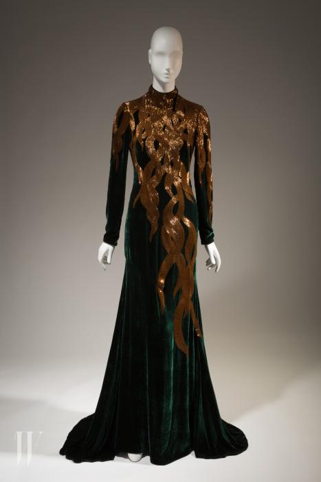 '라푼젤'을 연상시키는 알렉산더 매퀸의 이브닝 드레스, 2007 가을 컬렉션.