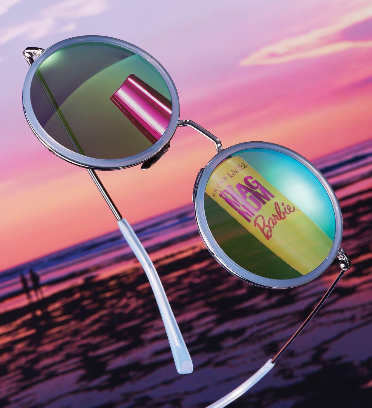 영롱한그린컬러미러렌즈의 선글라스는 A.D.S.R by Kustom.