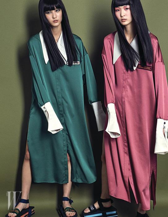 깃과 소매끝에 아이보리색으로 포인트를 준 느슨한 실크 셔츠 스타일의 드레스와 스포티한 레이스업 샌들 슈즈는 모두 Cres. E. Dim 제품.