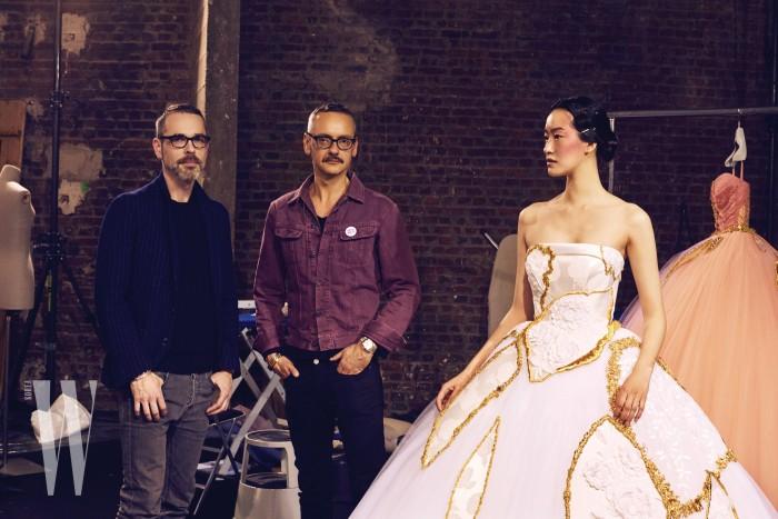퐁리가 입은 풍성한 패치 워크 튤 드레스는 Viktor & Rolf 제품.