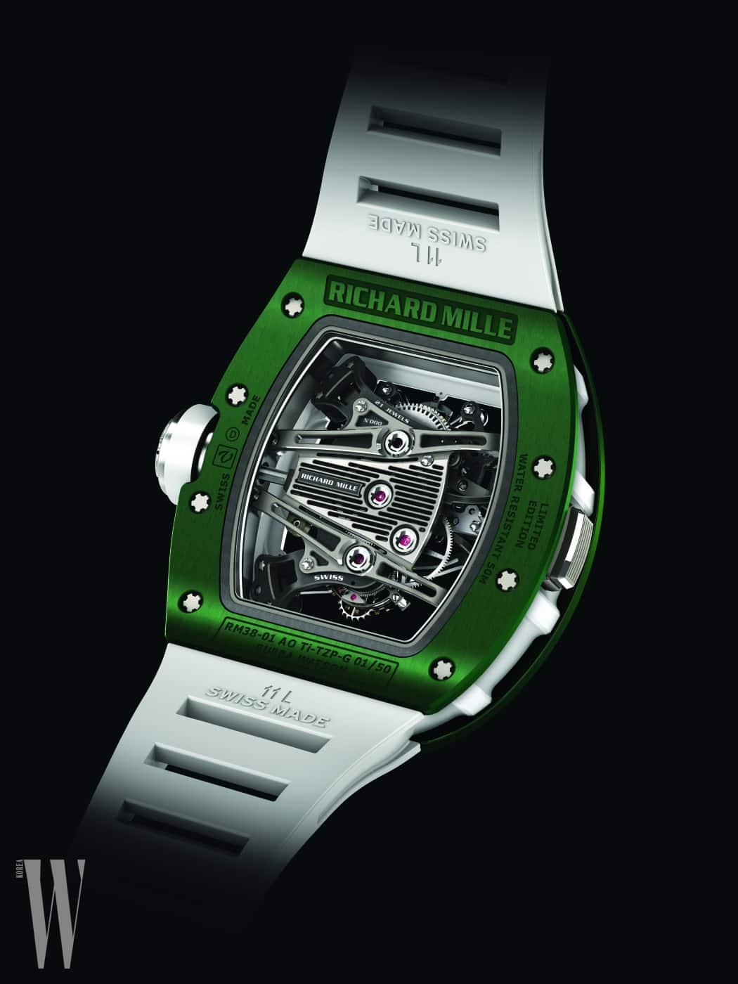 RM38-01 G-센서 투르비용 버바 왓슨 컬렉션은 골프 애호가들에게 사랑 받을 모델이다. 전세계 50개 리미티드 에디션으로 선보여 소장가치가 높다. 특히 유명 골프선수인 버바 왓슨에서 영감을 받아 디자인된 모델답게 잔디를 연상시키는 녹색 케이스가 인상적이며, 스윙 시 제약이 없도록 고안된 세계 최초 메케니컬 G센서가 장착되어 있다.