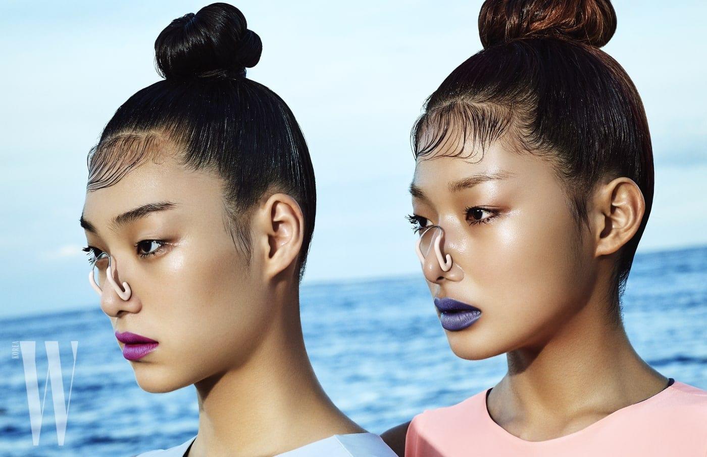 김설희가 입은 하늘색 수영복과 최아라가 입은 핑크색 수영복은 5pening 제품.