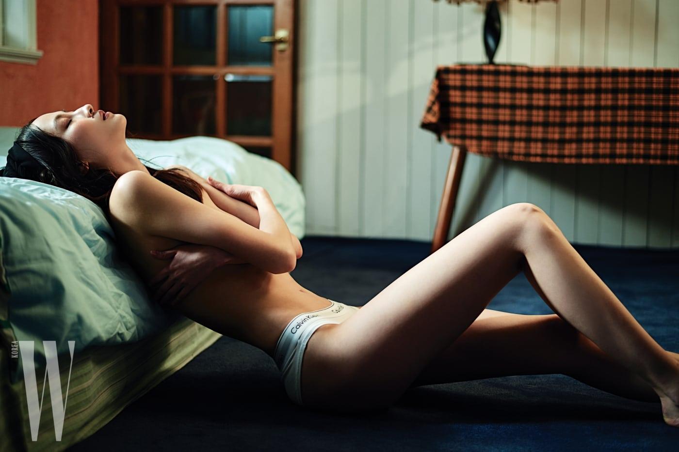 로고 밴드 브리프는 Calvin Klein Underwear 제품.