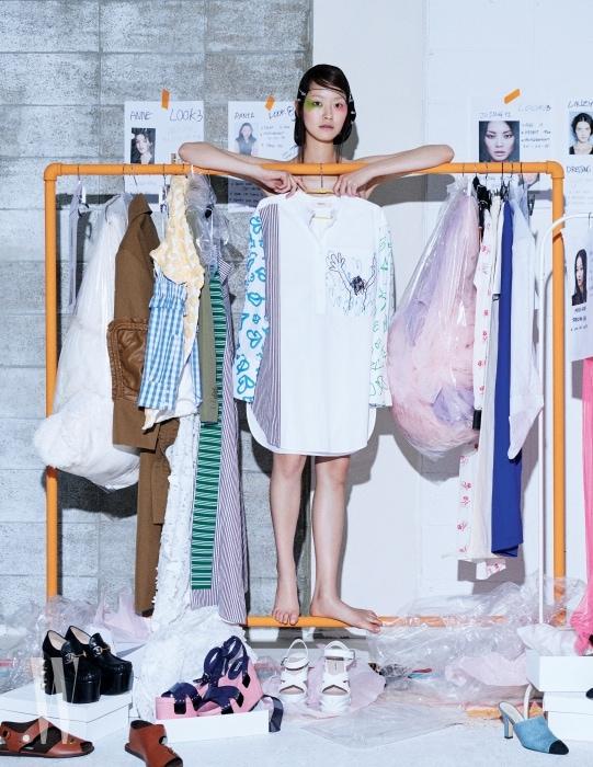 동심이 느껴지는 그림 프린트가 인상적인 셔츠는 포츠 1961 제품. 가격 미정.