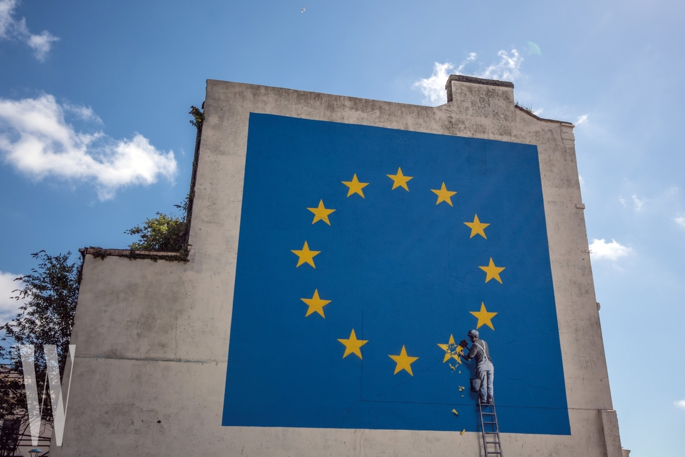 DOVER, ENGLAND - MAY 09:  A recently painted mural by British graffiti artist Banksy, depicting a workman chipping away at one of the stars on a European Union (EU) themed flag is pictured on May 9, 2017 in Dover, England. The work is the latest by Banksy, the anonymous England-based graffiti artist and political activist.  (Photo by Carl Court/Getty Images)