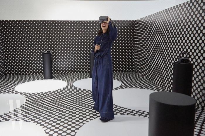 행사장 한켠에 마련된 아디다스 by 스텔라 매카트니의 증강현실 체험 부스.