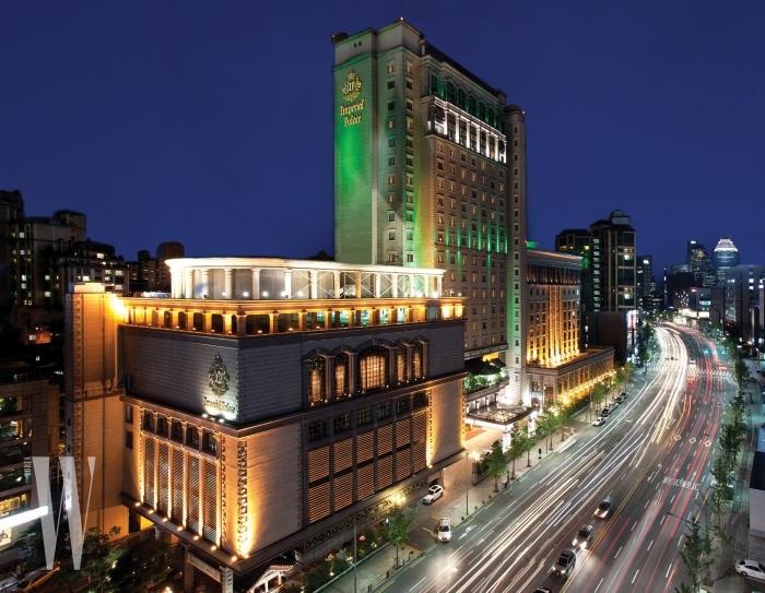 임피리얼 팰리스 서울 호텔 외부 전경.
