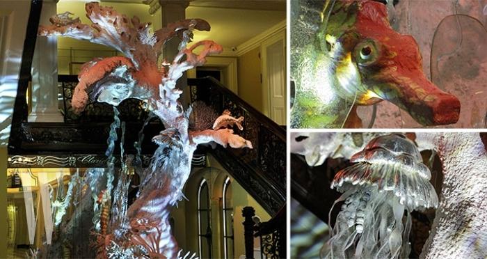 2010-john-galliano-for-dior-claridges-christmas-tree