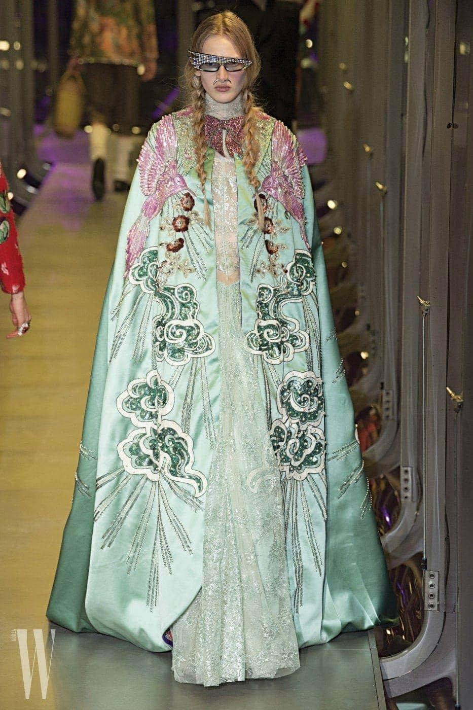 구찌의 쿠튀르적인 드레스와 선글라스