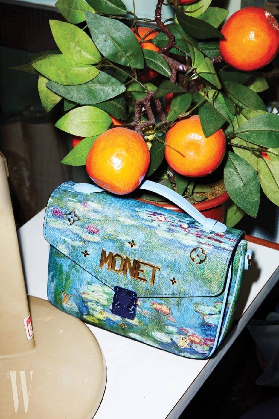 명화에서 영감 받아 만든 제프 쿤스의 2018 마스터즈2 컬렉션 백은 루이 비통 제품. 가격 미정.