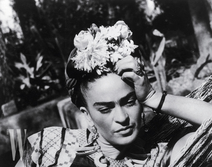 Kahlo Wardrobe