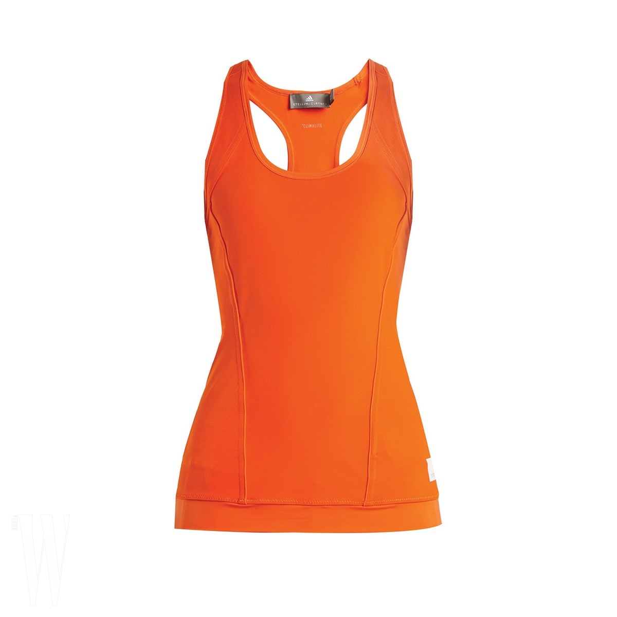 ADIDAS by STELLA McCARTNEY 스포티한 주황색 슬리브리스는 아디다스 by 스텔라 매카트니 제품. 가격 미정.