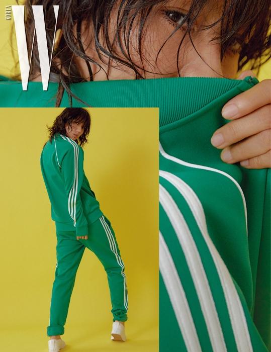 트랙 재킷, 팬츠, 슬립온은 모두 아디다스 오리지널스 제품. 각각 10만9천원, 8만9천원, 6만9천원.