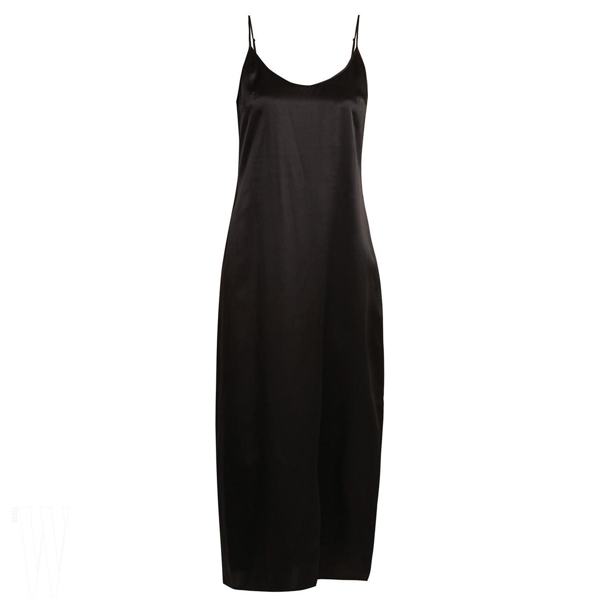LA PERLA 미니멀한 슬립 드레스는 라펠라 제품. 16만원대.