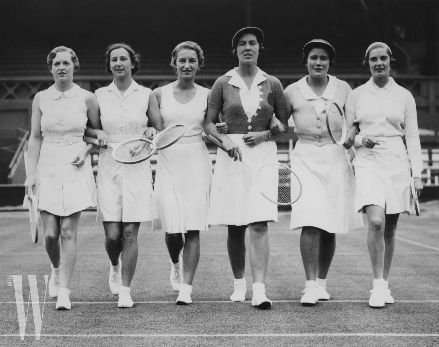 1936년, 경기에 출전한 테니스 선수들.