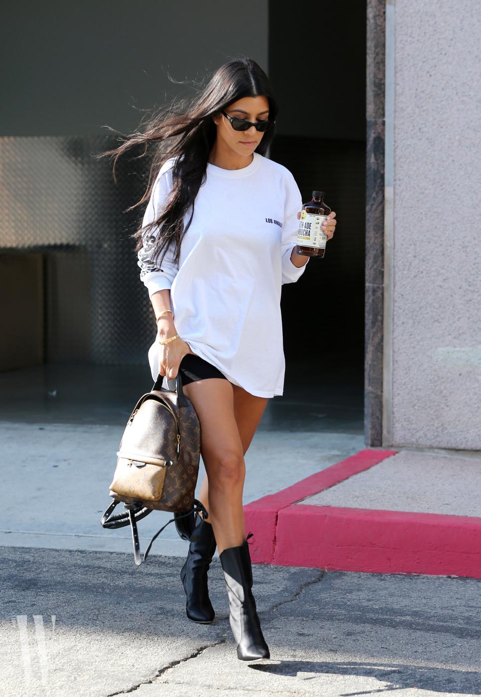 Kourtney Kardashian leaving a class in Los Angeles
